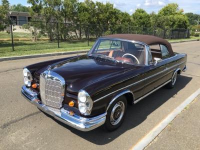 1967 Mercedes Benz 300SE Cabriolet