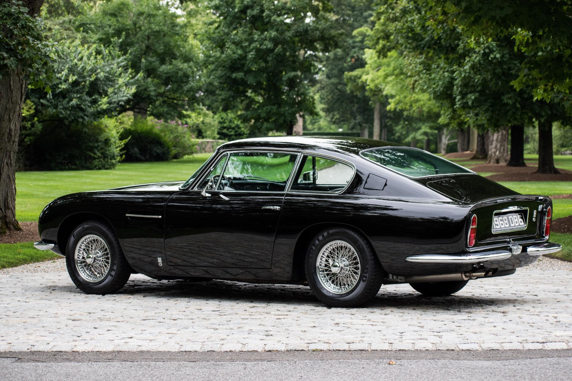 1968 Aston Martin DB6 -